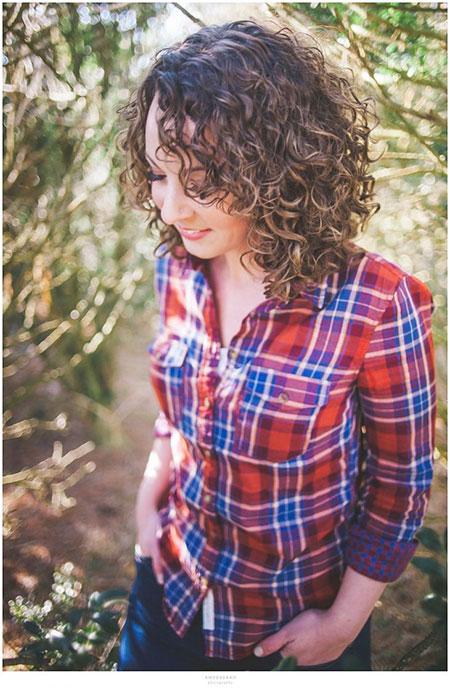 Short Curly Hairstyles Black Women - 16