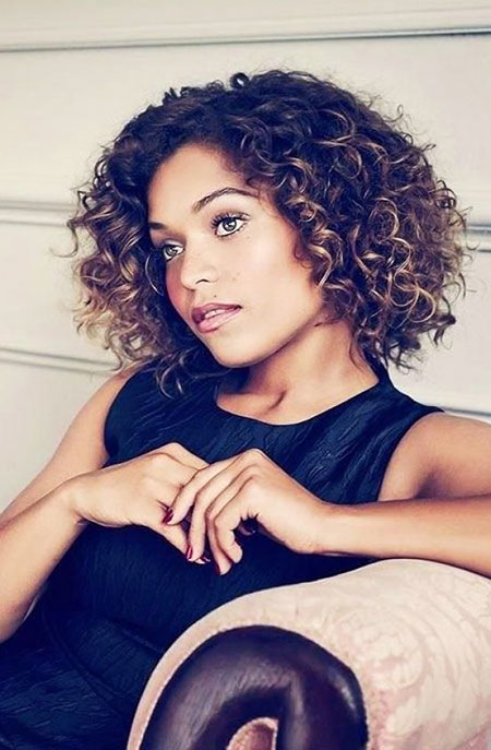 Short Curly Hairstyles Black Women - 41-