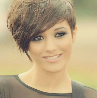 28-chic-cute-short-hairstyle-ideas-for-thick-haired-women