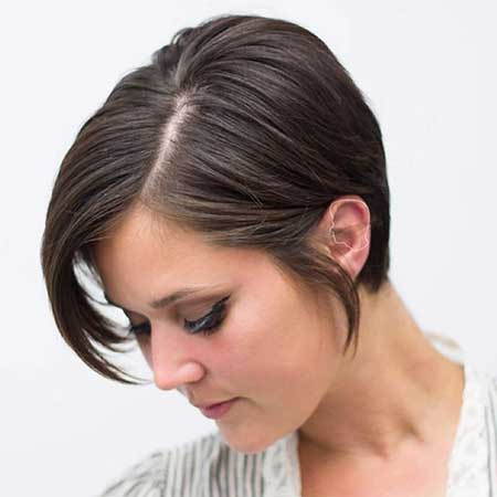 Short Haircuts for Round Faces - 17