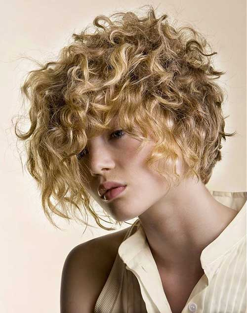 Short Curly Blonde Hair - 31