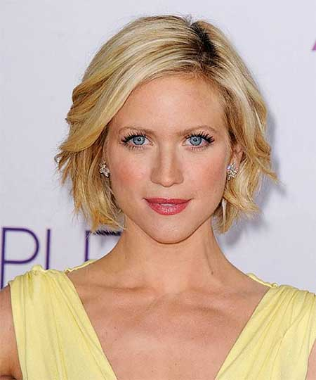Short Hairstyles for Oblong Faces - 6