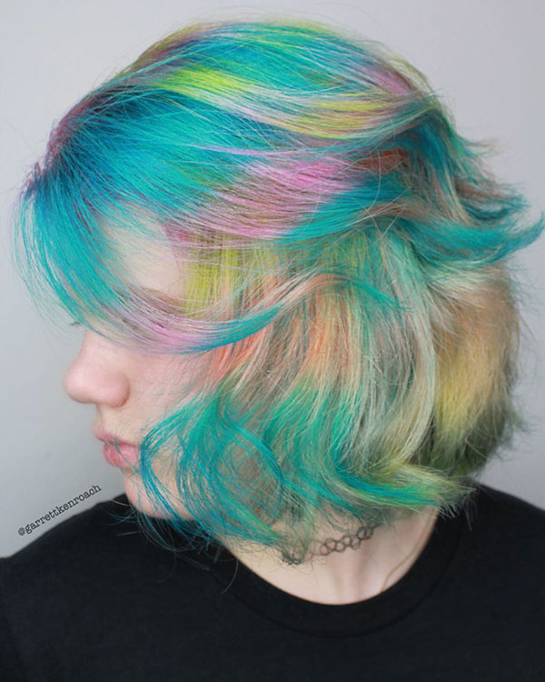 Hairstyles For Short Vibrant Hair