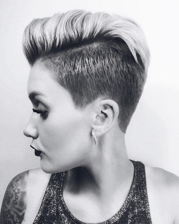 ladies short hairstyles 2021
