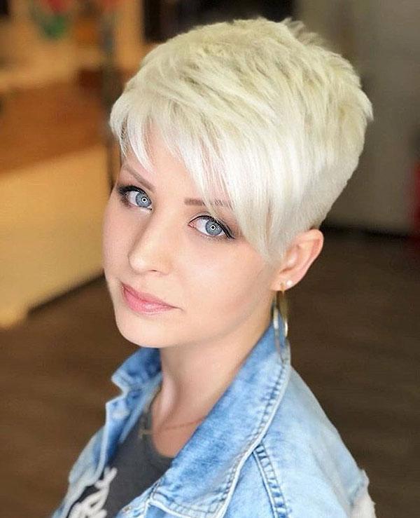 trending short hair