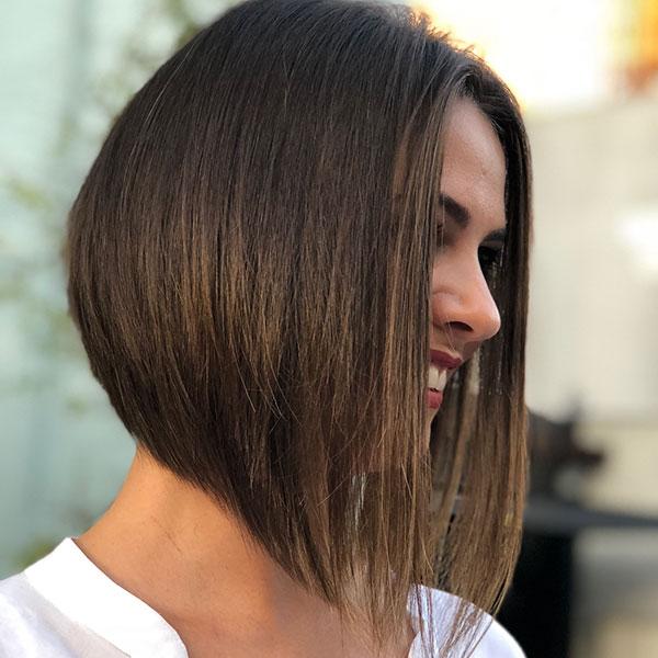 woman short hair cuts 2021
